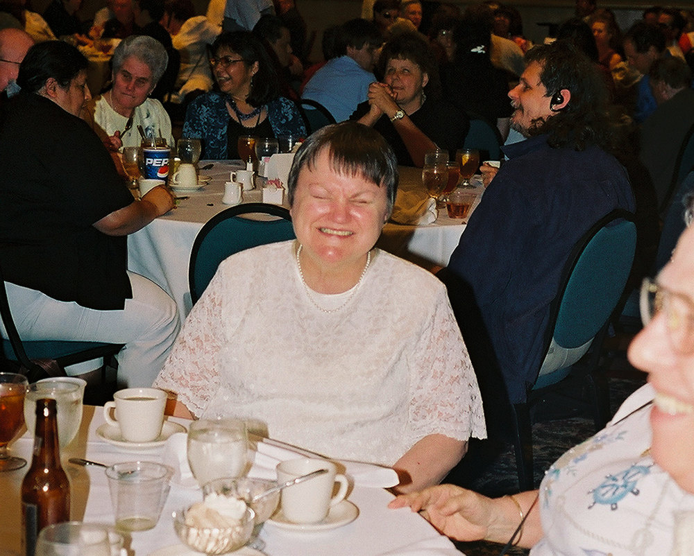 Sue Ammeter smiling at the 2004 banquet